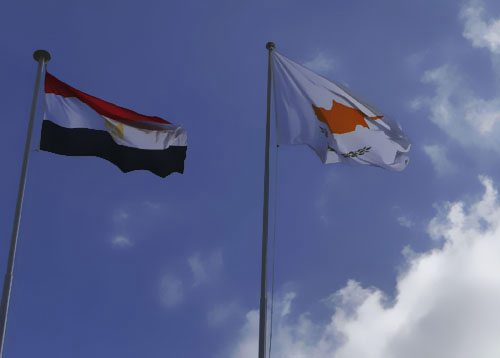 埃及与塞pu路斯签署2000MWhai底高压直流电lanxie议